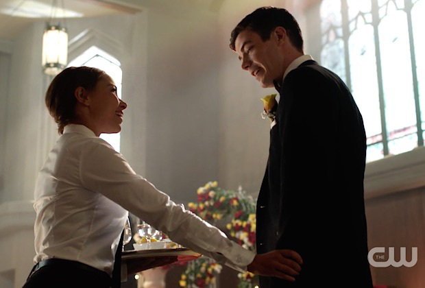 flash-wedding-barry-waitress