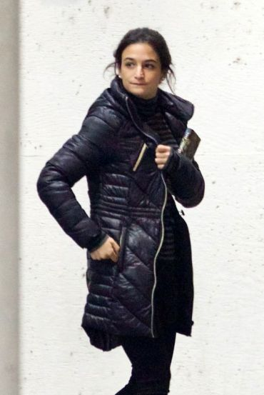 jenny-slate-on-the-set-of-venom-in-atlanta-12-22-2017-3_thumbnail (1)