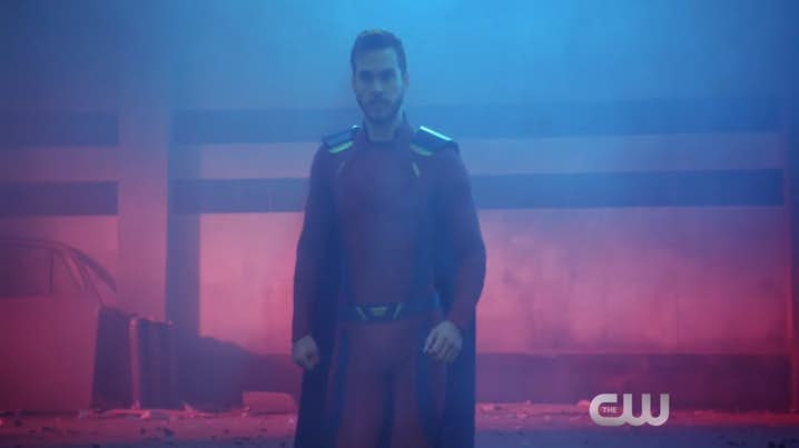 Supergirl-Mon-El-new-costume.jpg