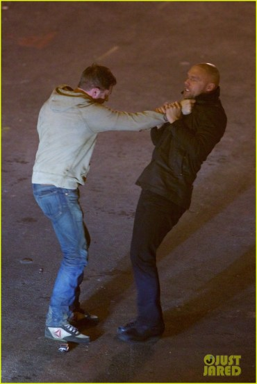 tom-hardy-films-a-venom-fight-scene-with-scott-haze-12