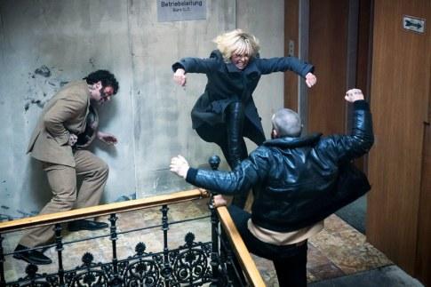 atomic-blonde-stairwell-fight.jpg