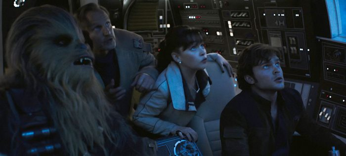 solo-starwarsstory-falcon-cockpit-everyone-700x316