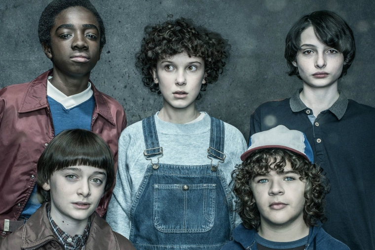 stranger-things-cast-raise-season-3-01