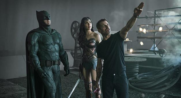 Justice_League_Batman_Wonder_Woman_BTS-e1513959059214.jpg