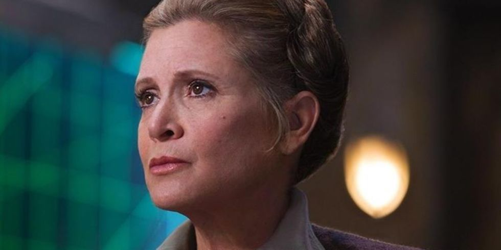 landscape-1493894520-carrie-fisher-leia-force-awakens